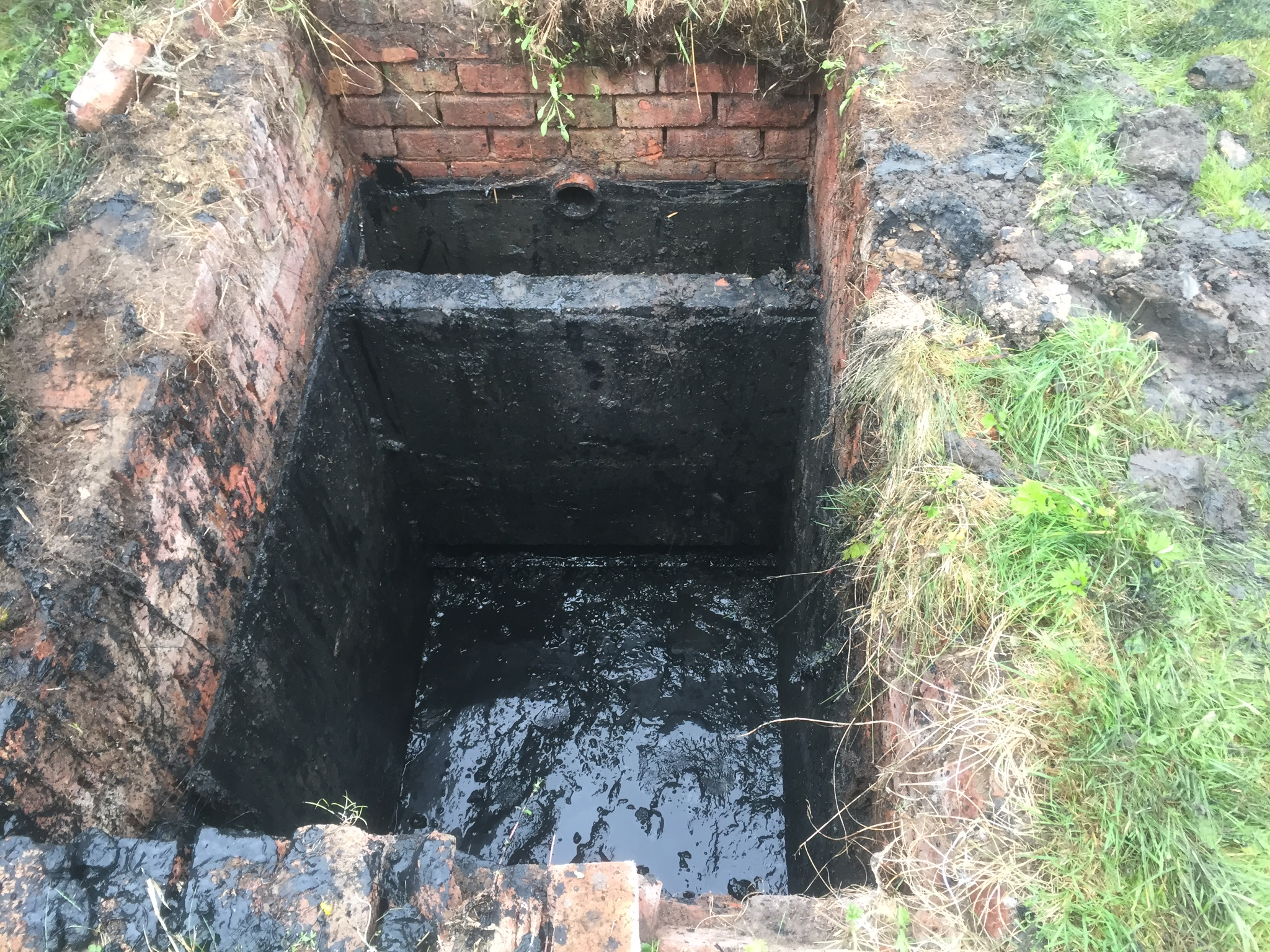 Septic tank inspection chamber repair rufford pjc for Septic tank designs