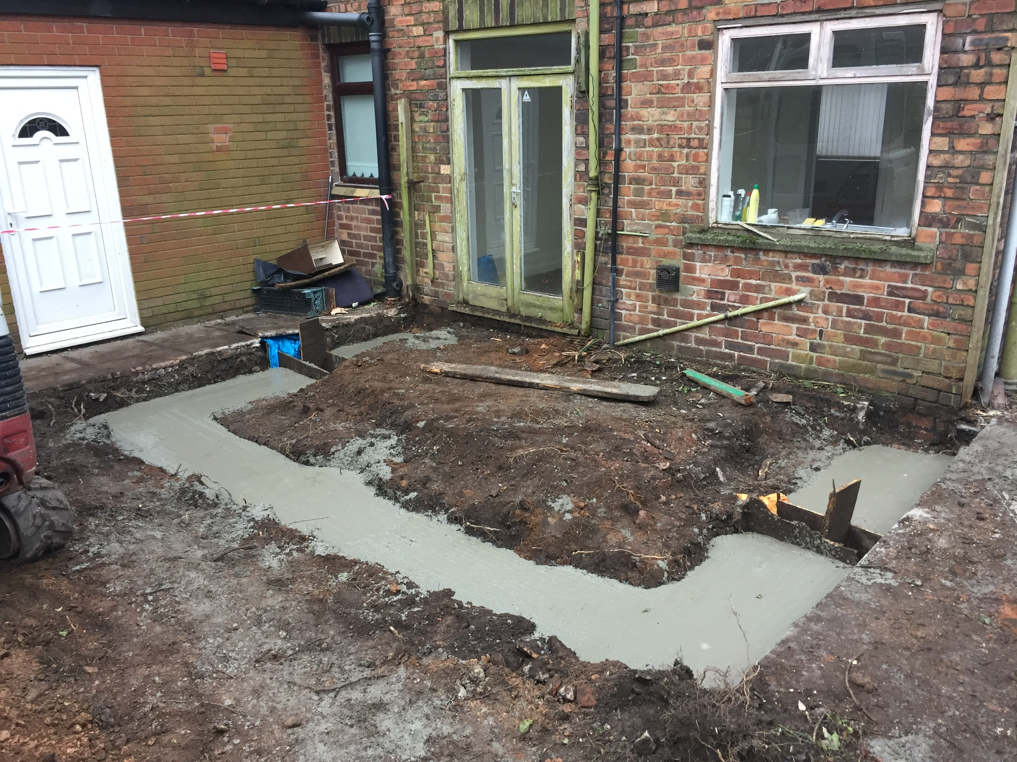 Ground Clearance And Installation Of Footings For Single